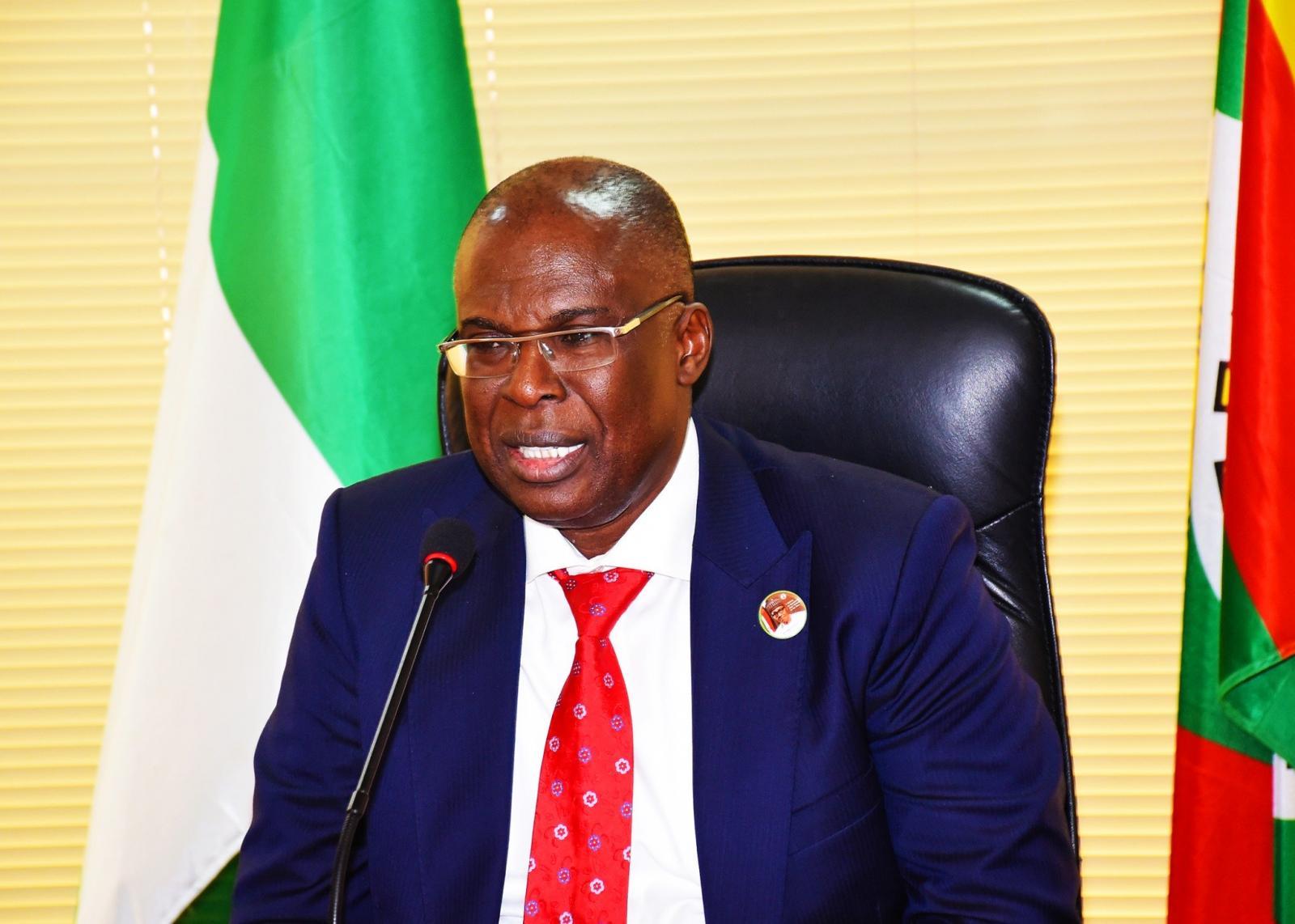 قانون النفط النيجيري - وزير النفط النيجيري