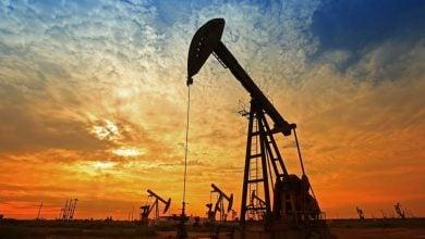 Photo of توقّعات بارتفاع أسعار النفط في 2021.. وانخفاض إنتاج الخام الأميركي