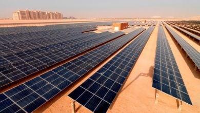 """Photo of محطة شل.. أول مشروعات الطاقة الشمسية في """"صحار"""" عُمان"""