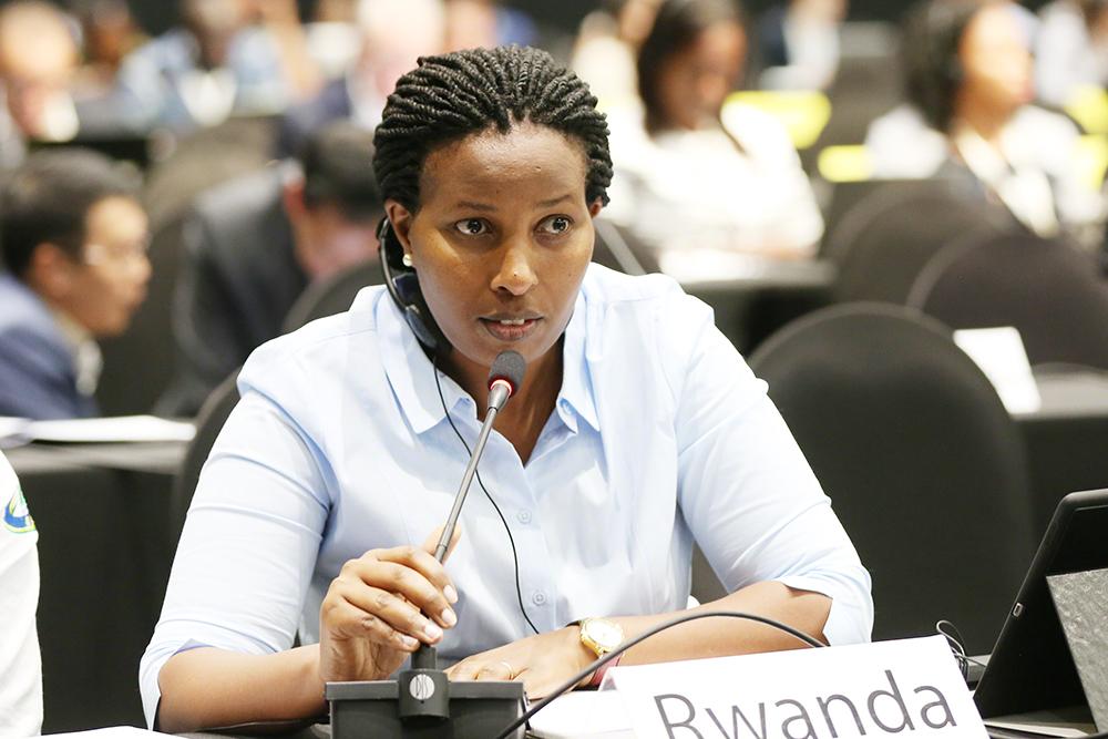 رواندا تشجع على استخدام السيارات الكهربائية