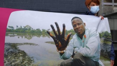 Photo of بعد 13 عاماً.. محكمة تلزم شل بتعويض قرويين في نيجيريا عن تسرب نفطي