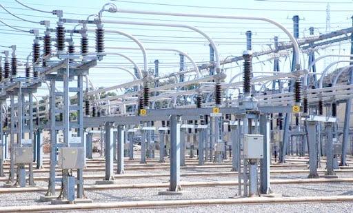 وزير الطاقة الجزائري - محطة الكهرباء في سونكتار