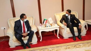 Photo of أزمة وقود في السودان.. حمدوك يرأس اجتماعًا عاجلًا بوزارة الطاقة