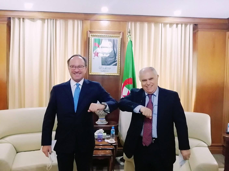 الجزائر تدعو الشركات الإيطالية للاستثمار