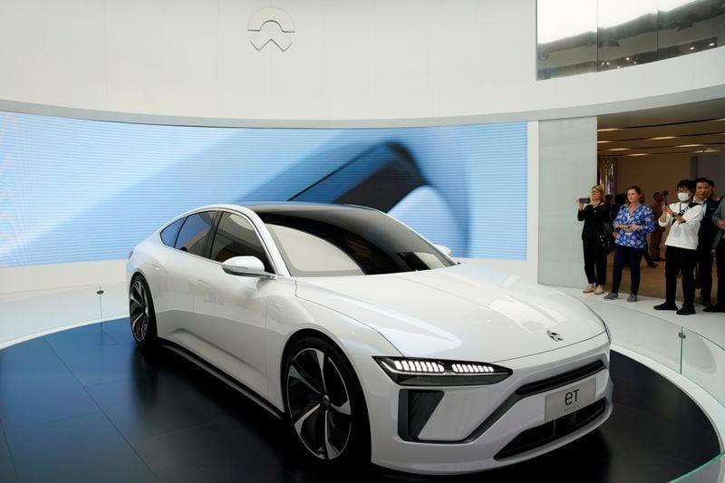 سيارة نيو الجديدة أول سيدان كهربائية من الصانع الصيني