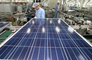 مصنع ألواح شمسية في الصين