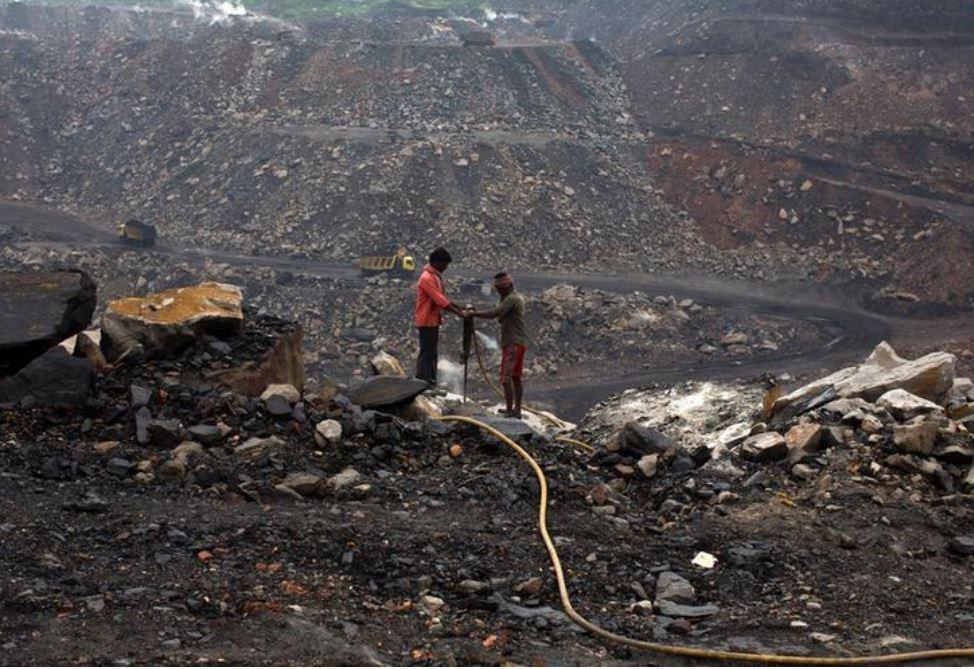 واردات الفحم الهندية تواصل التراجع