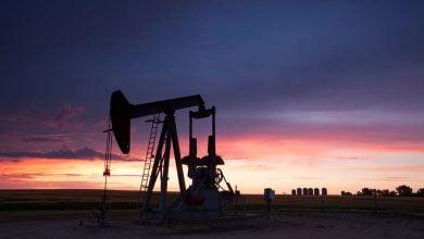 Photo of ارتفاع هامشي لأسعار النفط.. والخام الأميركي أعلى 60 دولارًا