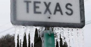 موجة صفيع تكساس تهدد إنتاج النفط