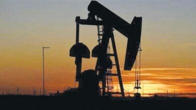 Photo of تحديث - النفط يتحول للصعود القوي ويسجل مكاسب أسبوعية 5%
