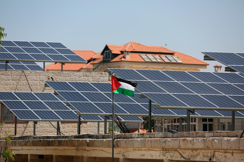 محطة طاقة شمسية أعلى أحيد المنازل في فلسطين