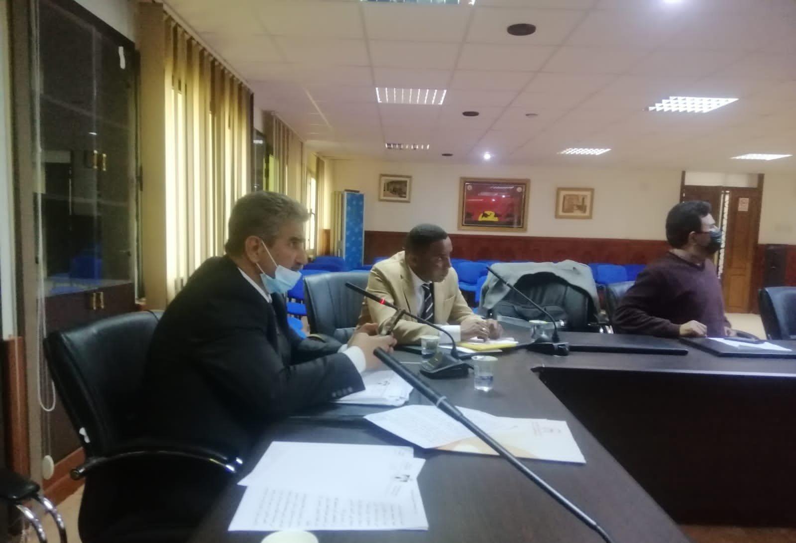 جانب من اجتماع نقابة النفط الليبية
