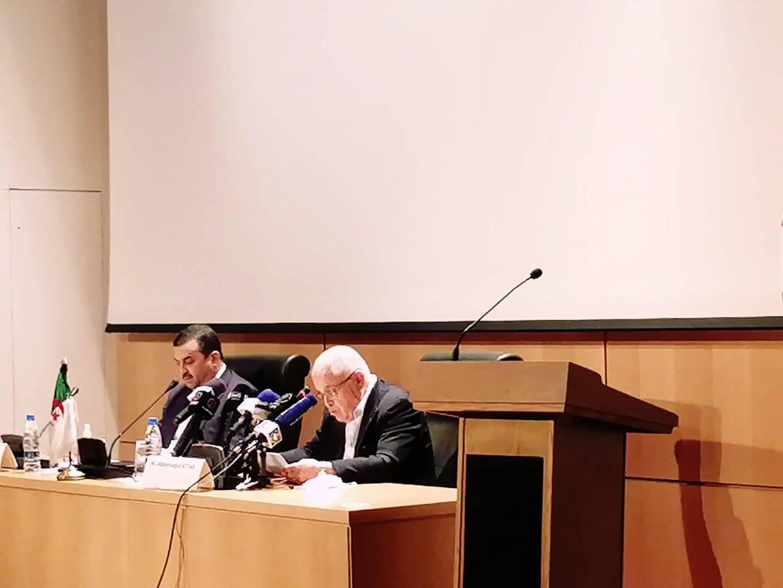 وزير الطاقة الجزائري خلال تسلم مهام عمله
