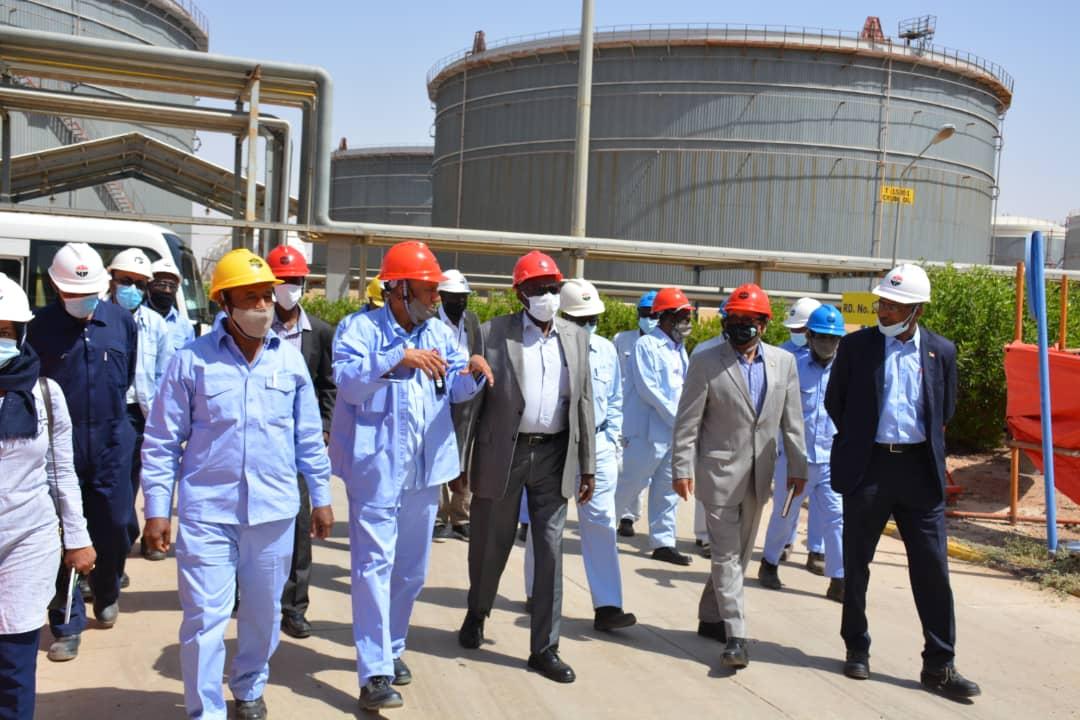وزير النفط السوداني يتفقد مصقاة الخرطوم