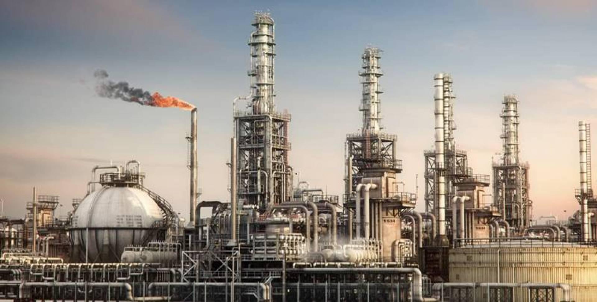 محطة توليد كهرباء من حرق النفط