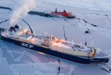 Photo of لأول مرة.. ناقلة غاز روسية تنهي رحلة شتوية في القطب الشمالي