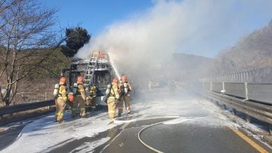 Photo of سول تحقق في أسباب اشتعال النيران بحافلة هيونداي الكهربائية