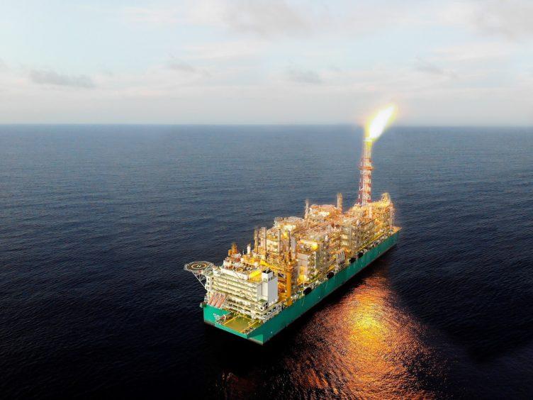 أول حقول الغاز في المياه العميقة - النفط والغاز