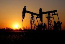 Photo of تحديث - تعاملات متقلبة لأسعار النفط.. والخام الأميركي يهبط أدنى 65 دولارًا