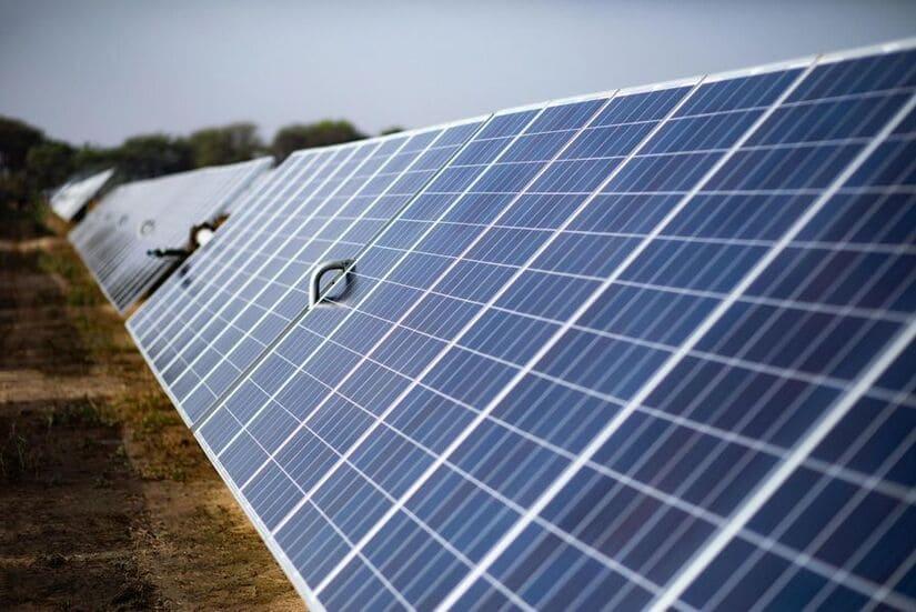 الكهرباء المتجددة- توتال - الخلايا الشمسية