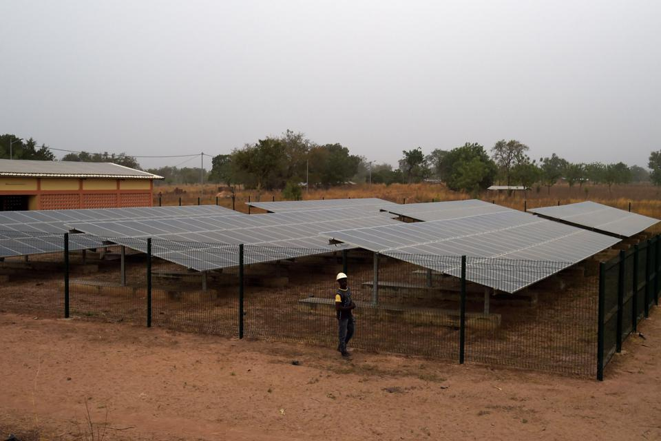 توغو - محطة طاقة شمسية
