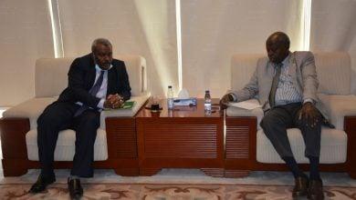 Photo of السودان.. اجتماعات حكومية لبحث مشروعات النفط والغاز