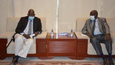 Photo of وزير الطاقة السوداني يناقش مطالب غرب دارفور وحاجتها للوقود