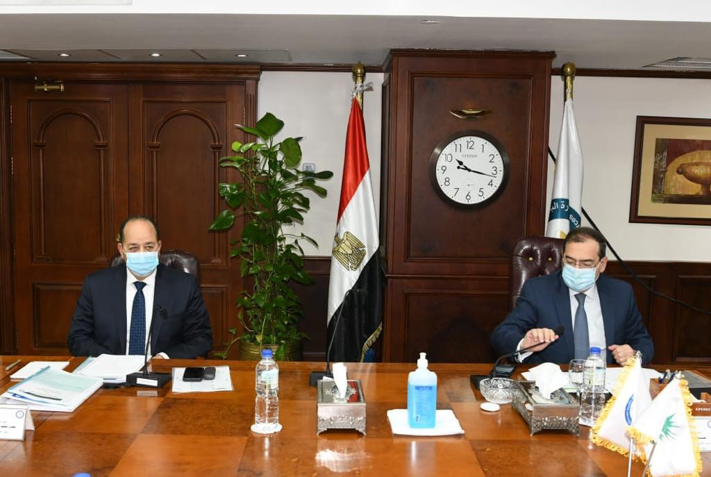 طارق الملا أثناء الجمعية العمومية - الصورة من وزارة البترول (14 مارس 2021)