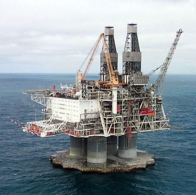 المنصات النفطية