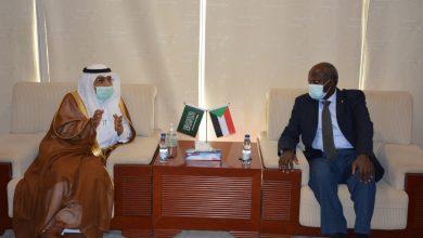 Photo of السودان يتطلع للاستفادة من خبرات السعودية في النفط والطاقة