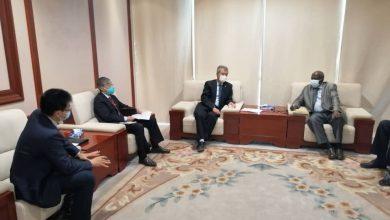 Photo of السودان يبحث تطوير قطاع النفط بالتعاون مع المؤسسة الصينية