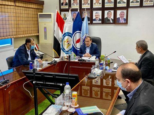 اجتماع وزير البترول المصري لتطوير المناطق النفطية