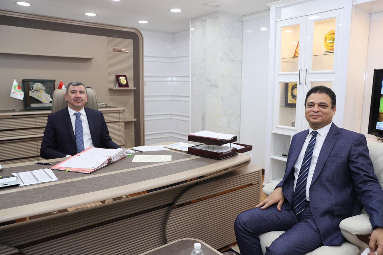 وزير نفط العراق خلال استقبال السفير المصري