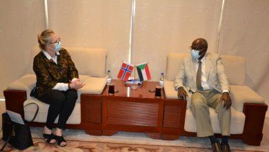 Photo of السودان يدعو الشركات النرويجية للاستثمار في النفط والطاقة المتجددة