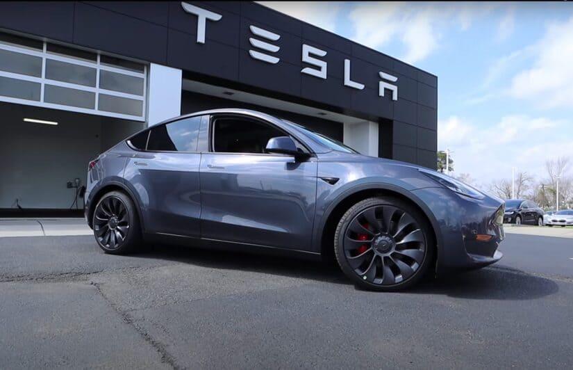 تيسلا- السيارات الكهربائية