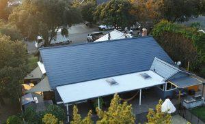 السقف الشمسي- تيسلا