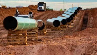 Photo of 3 مصارف فرنسية تنسحب من تمويل خط أنابيب النفط الخام لشرق أفريقيا