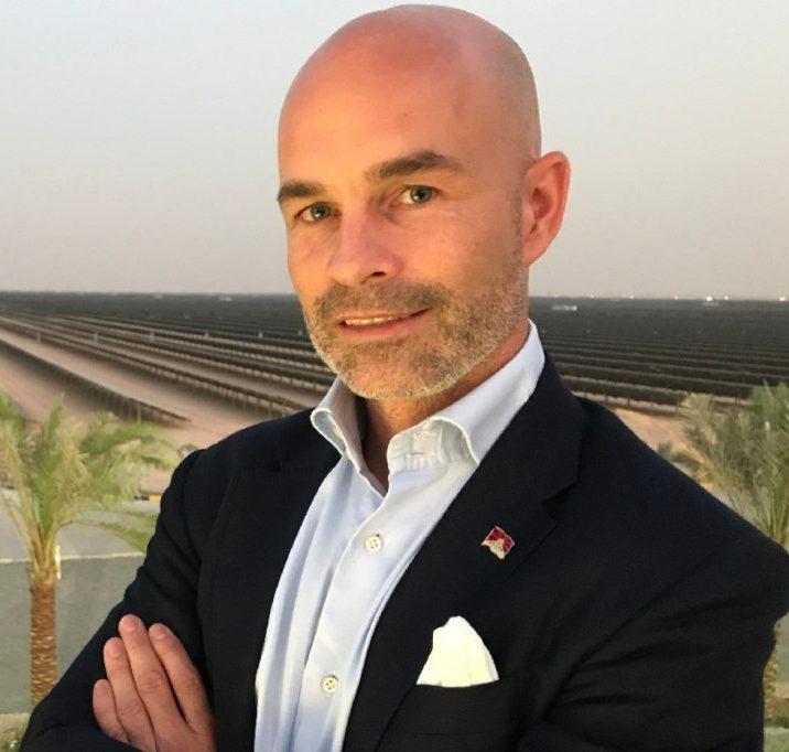 كورنيليوس ماتيوس الرئيس التنفيذي لشركة دي ديزرت إنرجي