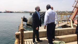 رئيس مؤسسة النفط الليبية يتفقد آثار الحادث
