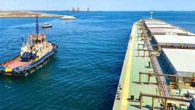 Photo of سلطنة عمان تباشر العمل في 3 مواقع تسرب نفطي