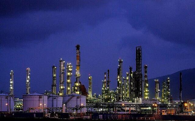 مصافي النفط