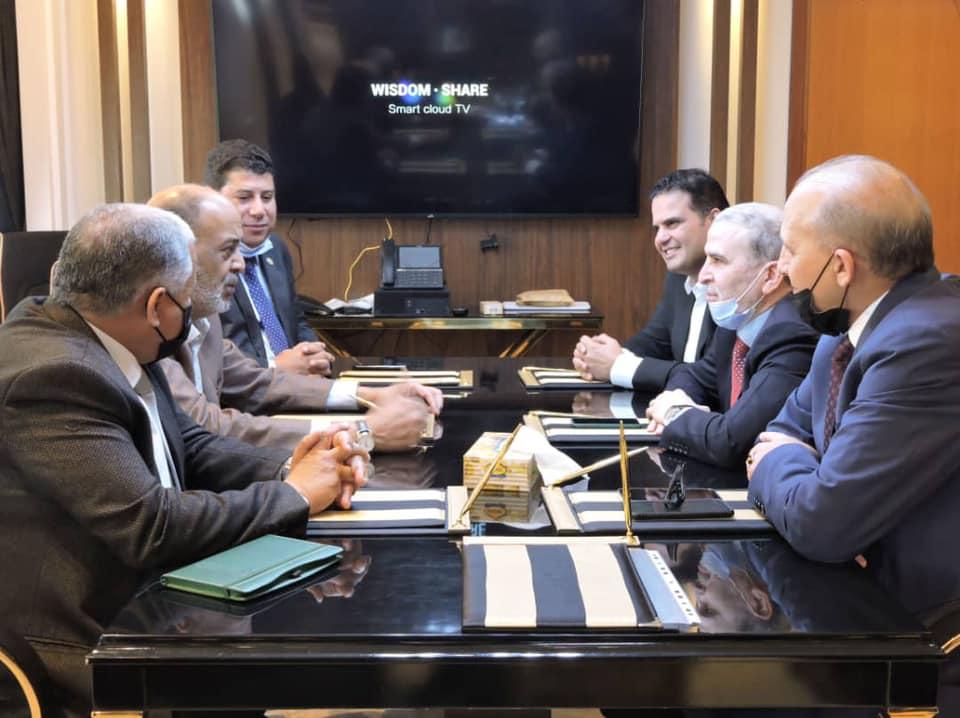 جانب من اجتماع رئيس الليبية للنفط ووكيل وزارة النفط