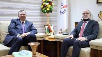 """Photo of """"الليبية للنفط"""" تبحث مع توتال زيادة الإنتاج وصيانة خطوط نقل الخام"""