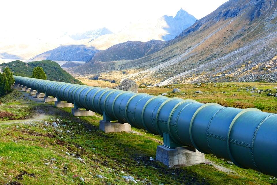خط أنابيب لنقل النفط