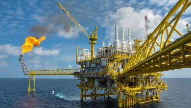 """Photo of وريثا مؤسس """"ستاندرد أويل"""" يطلقان حملة لمحاربة صناعة النفط والغاز"""