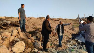 Photo of تسرب نفطي من محطة كهرباء يلوث شواطئ طبرق الليبية