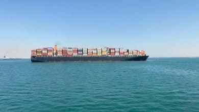 Photo of جنوح إحدى السفن في قناة السويس خلال عبورها من قافلة الشمال