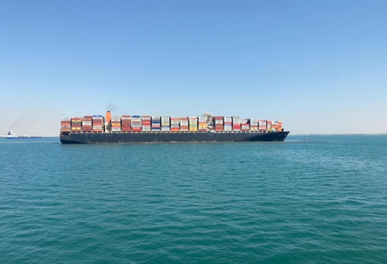 جنوح سفينة في قناة السويس