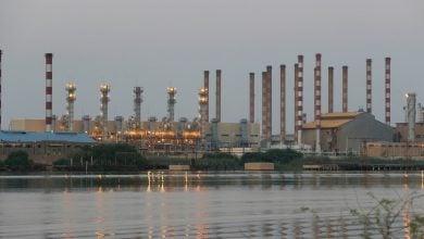 Photo of المخزونات البرية والبحرية.. كلمة السر في عودة إيران سريعًا إلى أسواق النفط