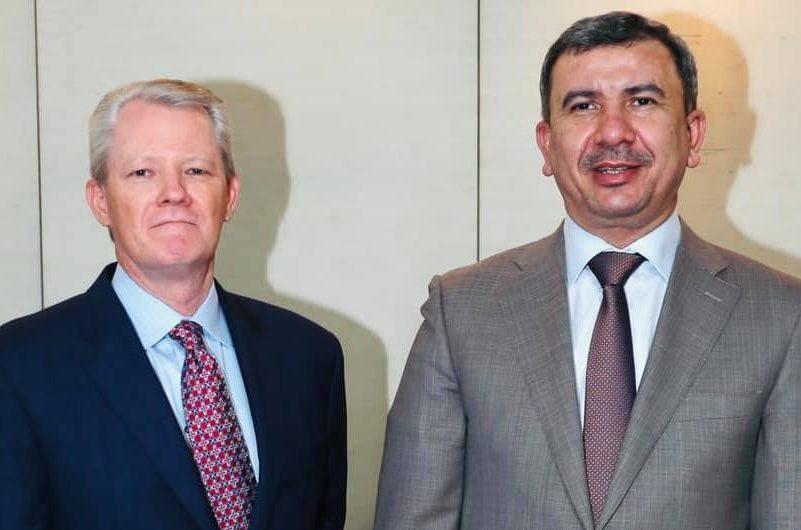 العراق - وزير النفط العراقي خلال لقاءه النائب الأول لرئيس إكسون موبيل